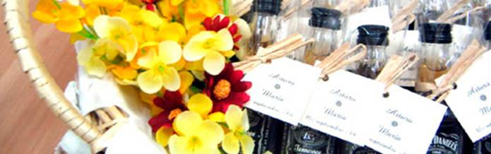 Mini botellas de las mejores marcas for Obsequios para bodas