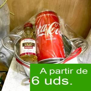 1 KITS DE REGALO - Pack Whisky DYC Cherry 5cl más Coca Cola lata 25cl más Cubo de metal